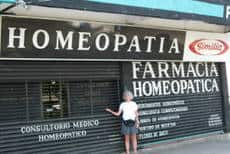 HSI Instructor Barbara Yarnell, CHom, CCH at Farmacia Homeopatica, Acapulco, Mexico